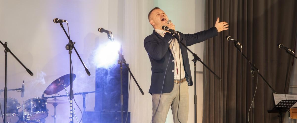 """Pramoginės lietuviškos estradinės dainos festivalis ,,Aš ir daina"""""""