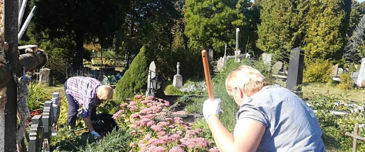 Tvarkėme Lietuvos nepriklausomybės kovų savanorių kapus