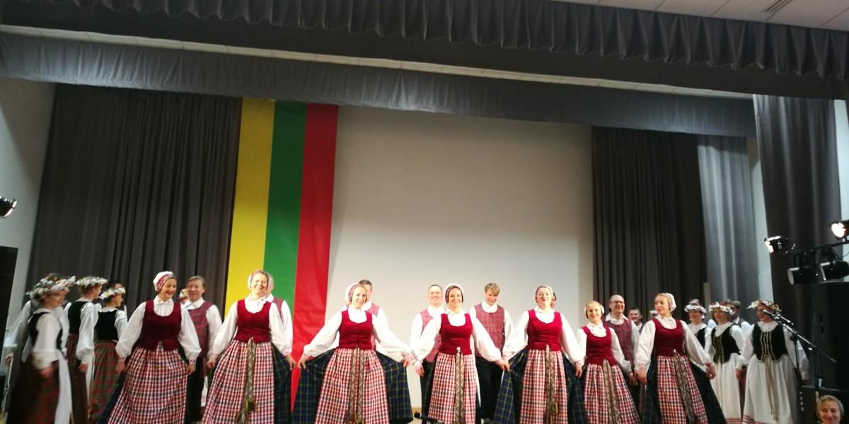 Atkurtos Lietuvos 101 gimtadienis Žasliuose. Foto J. Savickaitės ir I. Grabijolienės